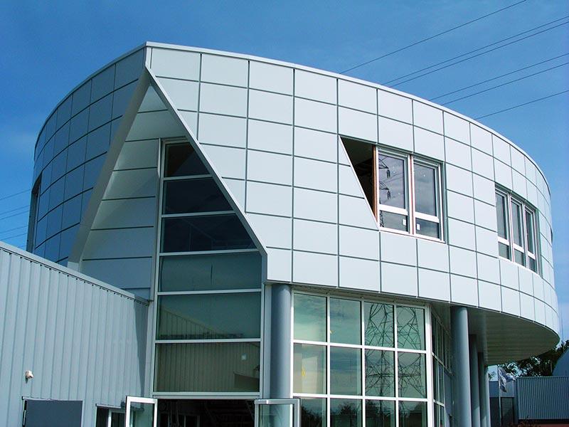 Habillage bâtiment commercial